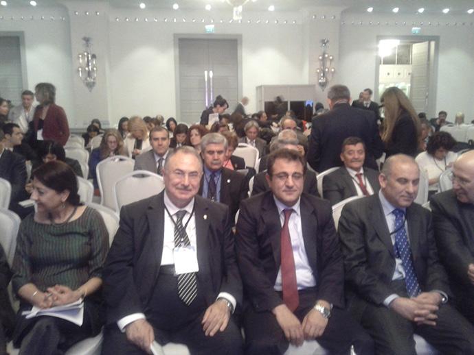 http://mf.fatihsultan.edu.tr/resimler/upload/Prof-Umit-Dogay-Arinc-Turkiye-Yeterlilikler-Cercevesi-Uluslararasi-Konferansina-Katildi-2250413.jpg